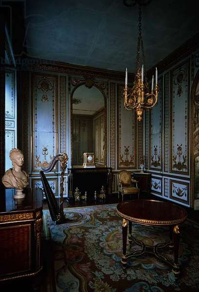 The Cabinet Interieur de la Reine (Interior Chamber of the Queen) decorated with white and gold panelling by Jacques Verberckt (1704-71) (photo)