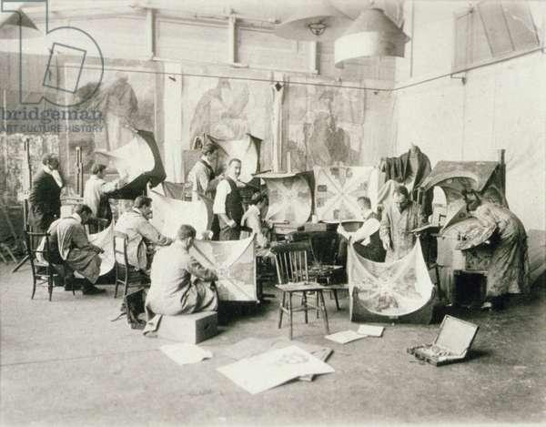 Men's class in the Mural Rooms, c.1900 (b/w photo)