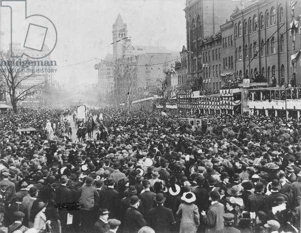 Crowd blocks women's suffrage procession in Washington D.C., March 3, 1913 (b/w photo)
