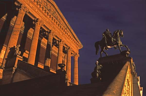 View of the Museum and Monument to Friedrich Wilhelm IV, Alte Nationalgalerie (photo)