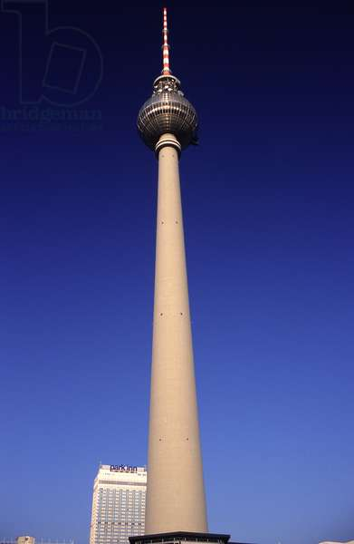 View of the TV Tower, built 1965-69 (photo)