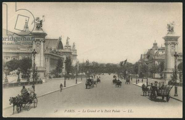 Postcard depicting the Grand and Petit Palais, Paris, c.1900 (photolitho)