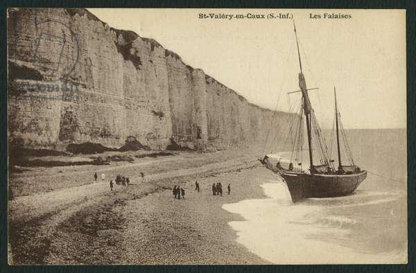Postcard depicting the cliffs at Saint-Valery-en-Caux, c.1900 (b/w photo)