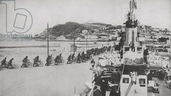 Italian troops occupy Durazzo during the invasion of Albania. 1939 (photo)