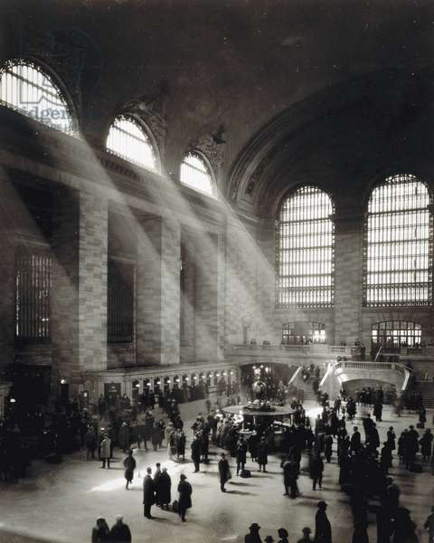 Holiday Crowd at Grand Central Terminal, New York City, c.1920 (b/w photo)