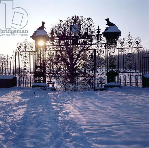 Chirk Castle gates, 1712-19 (photo)