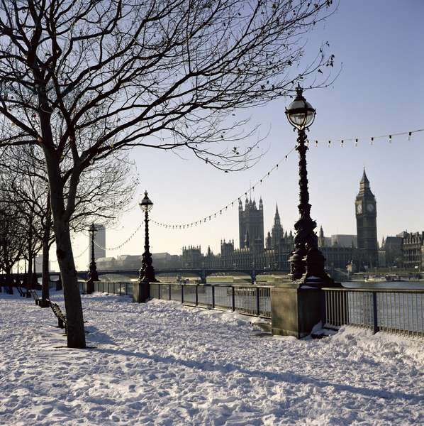 Big Ben, Westminster Abbey and Houses of Parliament in the Snow (photo)