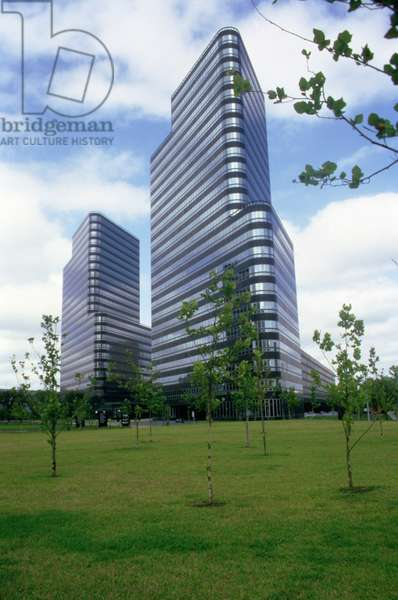 Post Oak Central Towers, designed by Philip Johnson (photo)