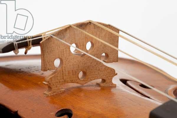 Violin (bridge), Rome, 1727
