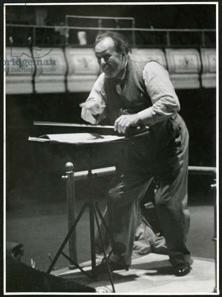 Sir Henry Wood rehearsing in the Queen's Hall, 1938