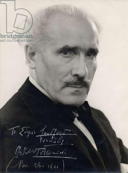 TOSCANINI Arturo - signed
