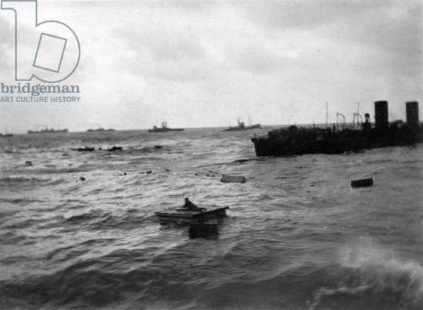 Survivors & Debris from SS Maloja sunk off Dover, 27 February 1916 (b/w photo)