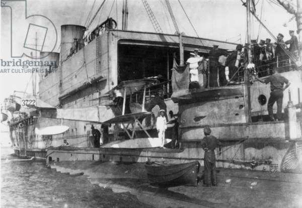 HMS Ben-my-Chree (b/w photo)