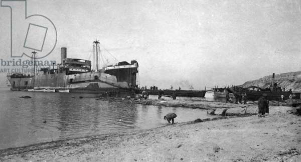 Landing Ship SS River Clyde in the Dardanelles Campaign, 1915-16 (b/w photo)