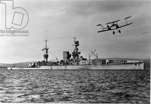 Carriers F 062, HMS Furious and Sopwith Pup (b/w photo)