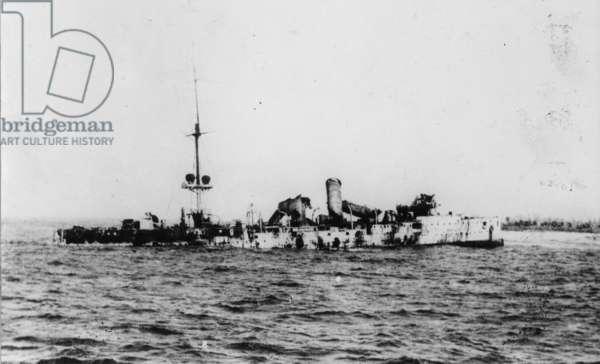 SMS Emden wrecked on Keeling Island, 1914 (b/w photo)