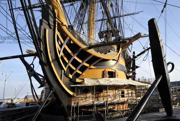 Repairing the Bow of HMS Victory, Portsmouth Dockyard, 2013 (photo)
