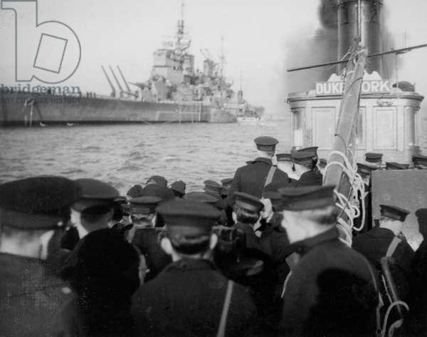 Libertymen Going Ashore from HMS Duke of York, c.1941 (b/w photo)
