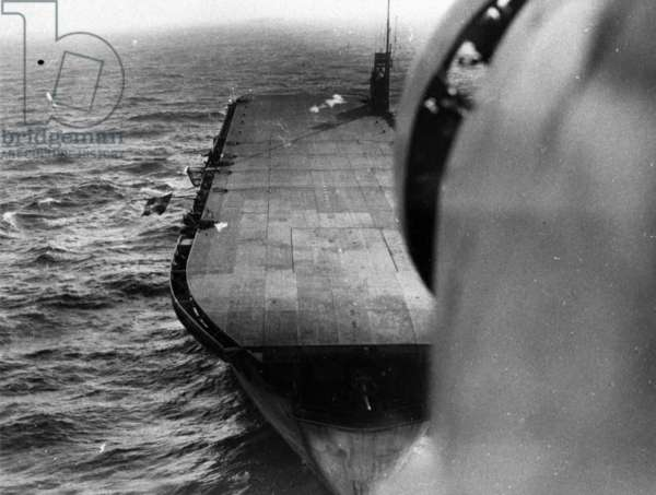 Merchant Aircraft Carrier Empire MacRae (b/w photo)
