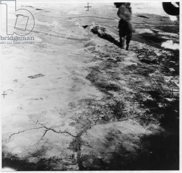 Campaigns 092 (Palembang II) (b/w photo)