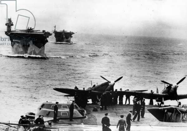Carriers B006, HMS Biter and HMS Avenger (b/w photo)