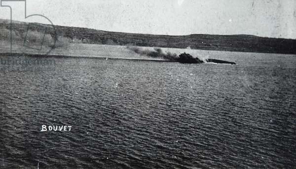 Bouvet sinking, 18 March 1915 (b/w photo)