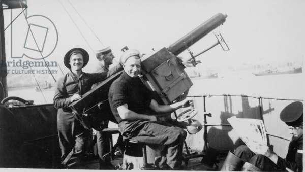 Single 2pdr Pom-pom AA Gun on HMS Brilliant, 1940 (b/w photo)