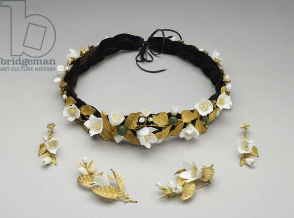 The Orange Blossom Parure, 1839-46 (gold, porcelain, enamel & velvet)