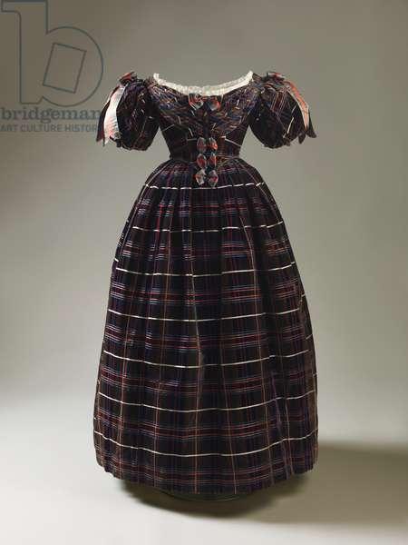 Tartan dress, 1835-37 (silk velvet, silk & lace)