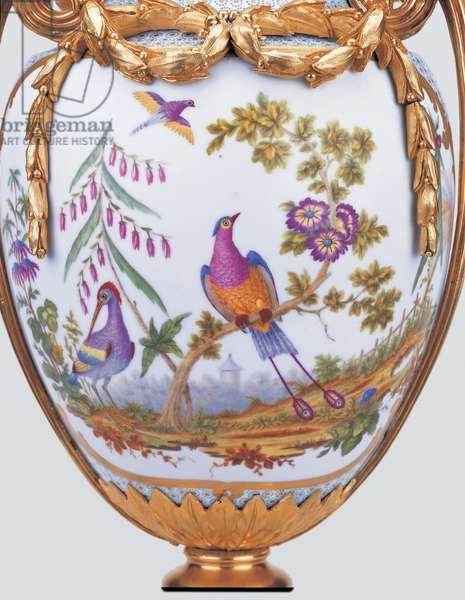 Vase Duplessis a monter, Sevres porcelain factory, 1779 (hard-paste porcelain & gilded decoration)