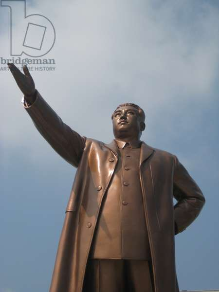 Statue of North Korean Leader Kim il-Sung, known as the Mansudae Monument, Pyongyang, 2008 (photo)