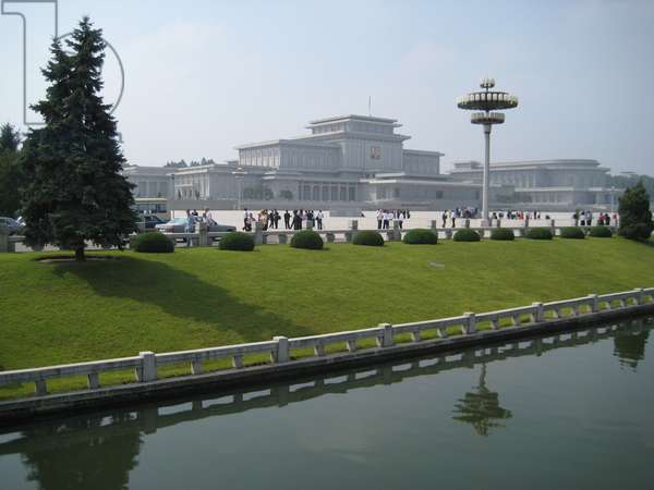 Kumsusan Palace of the Sun in Pyongyang, now used as the Mausoleum of Kim Il-sung, 2008 (photo)