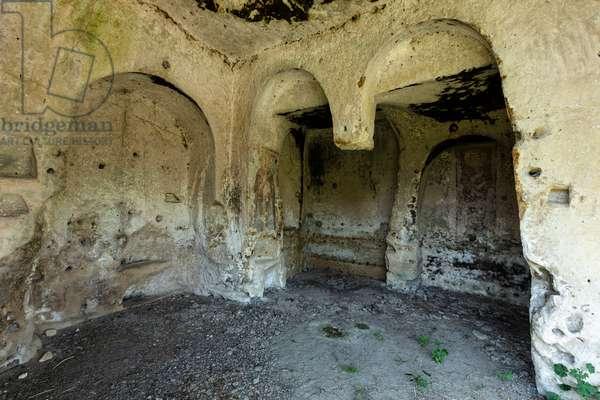 Castellaneta, Taranto, Puglia, Italy, The rock church of Santo Stefano in the ravine of Santo Stefano (photo)