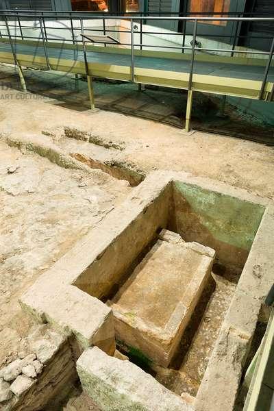 Necropolis of Via Marche, archaic burials, Taranto, Apulia (photo)