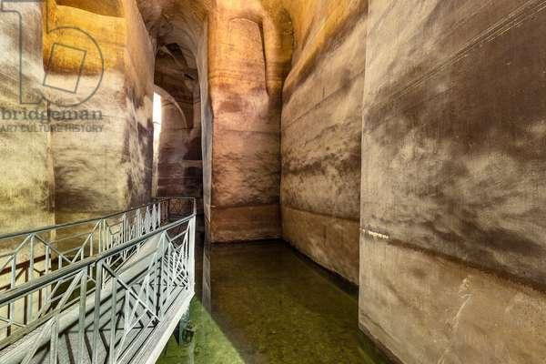 Matera, Basilicata, Italy, Il Palombaro Lungo in Piazza Vittorio Veneto, was the largest water reserve in Matera (photo)