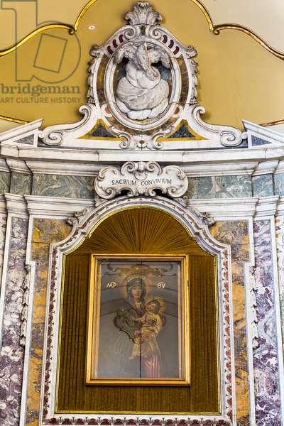 Cathedral of San Cataldo, Chapel of the SS Sacramento, altar of C. and V. Ferrara; A. Fellina designed by G. Fulchignone, Taranto, Puglia (photo)