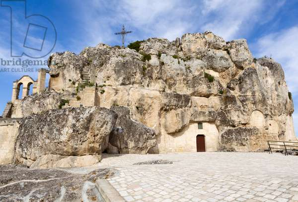 Fortress containing the Churches of Santa Maria de Idris and San Giovanni in Monterrone, Sassi di Matera, Italy (photo)