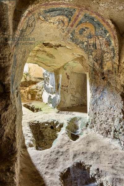 Mottola, Taranto, Puglia, Italy, rock church of Sant'Angelo, interior (photo)