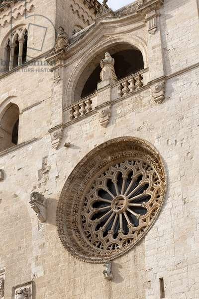 Altamura, Bari, Puglia, Italy, The Cathedral of Santa Maria Assunta, exterior, Rosette with a radial of 15 rays (1300)