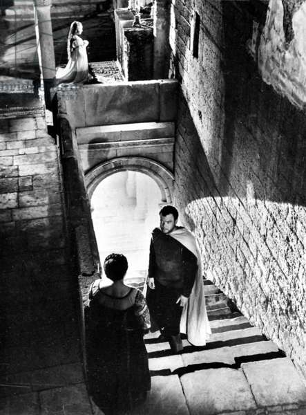 Orson Welles in the film of 'Othello', 1952 (b/w photo)