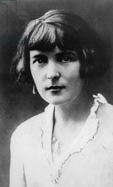 Portrait of Katherine Mansfield (1888-1923) (b/w photo)