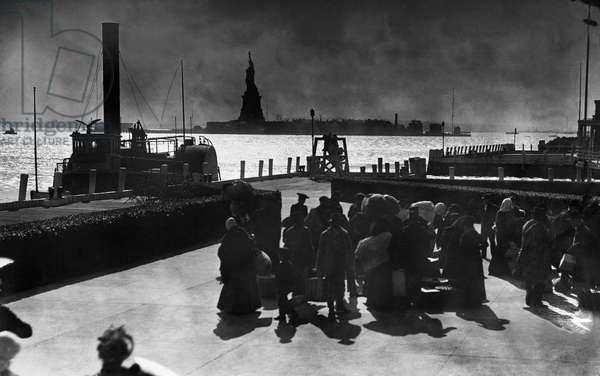 Immigrants on Ellis Island, 1900 (b/w photo)