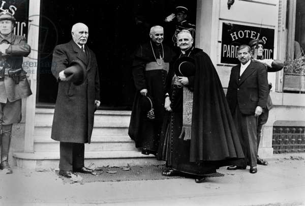 Marshal Petain (1856-1951), the French cardinals Emmanuel Suhard (1874-1949) and Pierre Gelier (1880-1965) with Pierre Laval outside the Hotel du Parc, Vichy, in November 1942 (b/w photo)