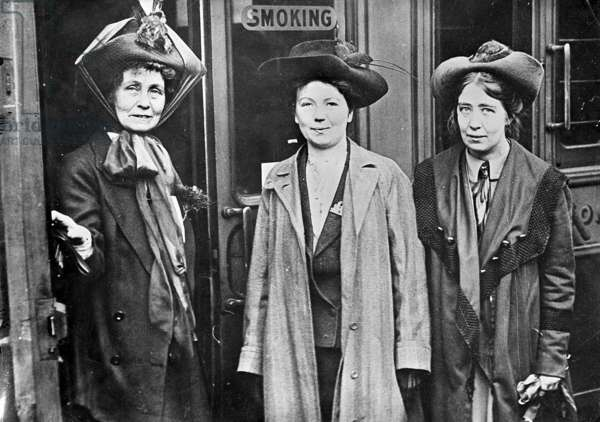 Emmeline Pankhurst and her two daughters, Christabel and Sylvia (b/e photo)