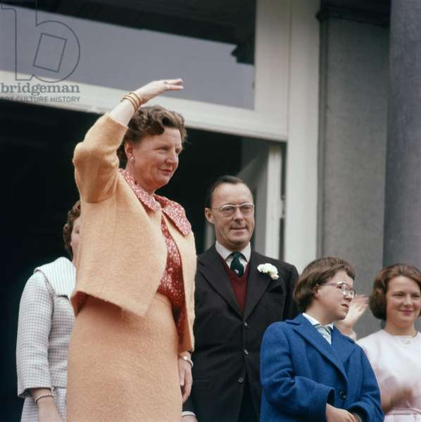 Queen Juliana of Netherlands at Soestdijk palace with Prince Bernhard zur Lippe Biesterfeld, princesses Christina and Irene, 1959