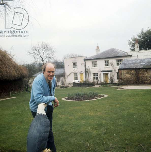 Roald Dahl, English writer at home in Great Missenden, 1975
