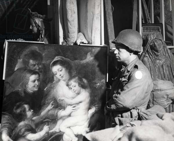 Second World War, WWII, art theft by the Nazi, 1945