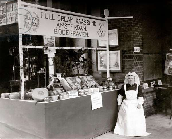 Cheese factory Oud Holland, a division of the Full Cream Cheese Union Amsterdam-Bodegraven, The Netherlands, 1911.