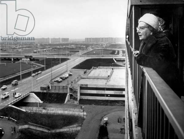 The Dutch Queen Juliana on a balcony in the Bijlmer district, Amsterdam, The Netherlands. January 21 1971