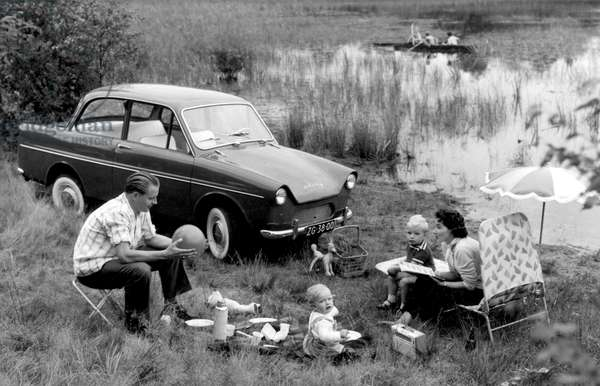 Roadside picknicking, Netherlands, 1969